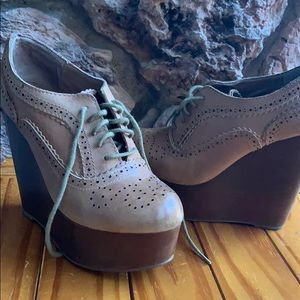 Steve Madden leather wedge 5.5 lace up